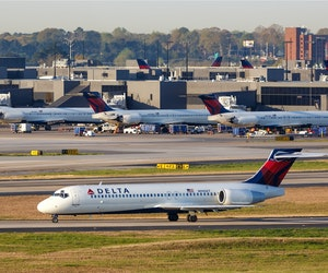 "Delta Asks Maskless Fliers to ""Reconsider Travel"" or Undergo Health Screening"