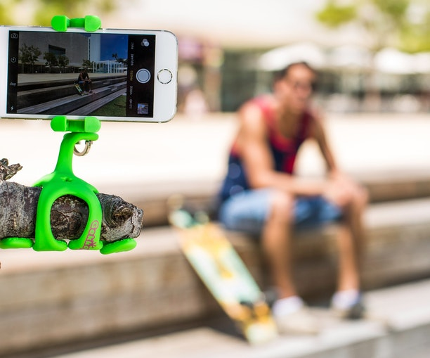 With the Multitalented GekkoPod, the World Is Your Selfie Stick