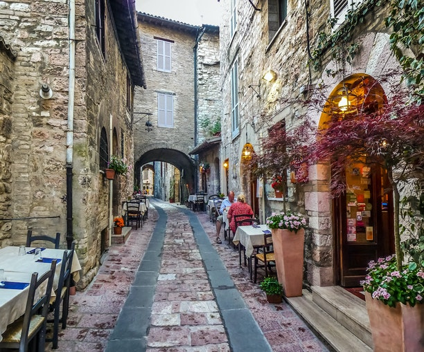 Italy to Require COVID Pass to Enter Museums, Restaurants