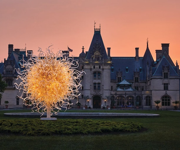 Dale Chihuly's Glasswork Leads First-Ever Garden Exhibit at Asheville's Historic Biltmore