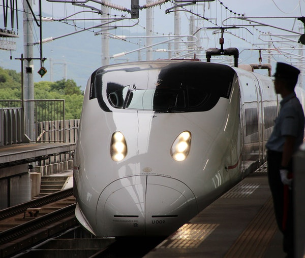 How to Navigate Japan's Railway System