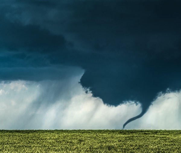 Striking Images From a Storm-Chasing Photographer Obsessed With America's Heartland