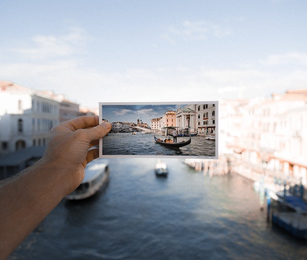 You Can Now Book Flights Using Your Favorite Instagram Photos