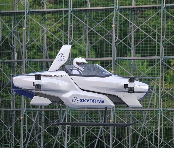 "Japan's ""Flying Car"" Gets Off Ground, With a Person Aboard"