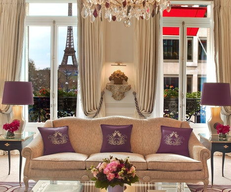 8 European Hotels With Truly Iconic Views Paris