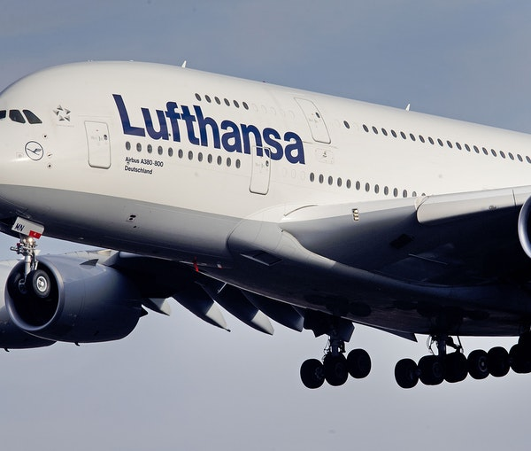 Airbus Will End Production of Its Superjumbo A380 Airplanes in 2021