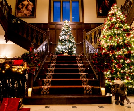 Decked-Out Hotels in the U.K. and Ireland to Get You Into the Festive Spirit   Ireland