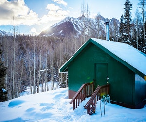 This Hut-to-Hut Ski Trip in Colorado Is the Escape You Need Right Now