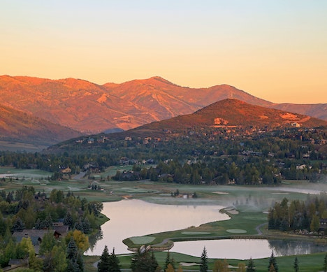 The Sweetest U.S. Small Towns to Visit This Fall Park City
