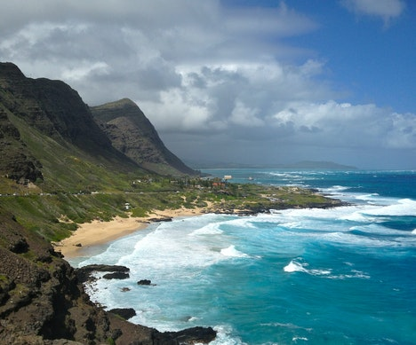7 Ways to Escape the Tourists on Oahu