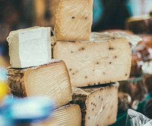 5 Essential French Wine and Cheese Pairings, Explained