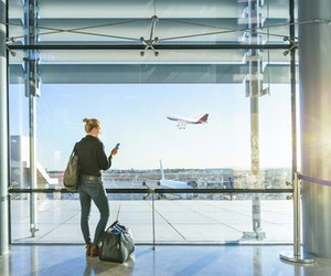 Air Travelers Are Truly Embracing Tech, Survey Finds