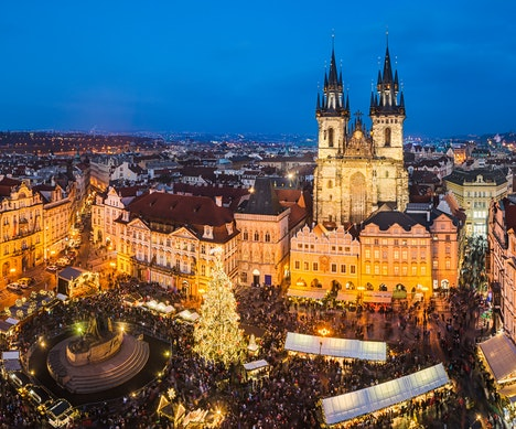8 Enchanting European Christmas Markets Vienna