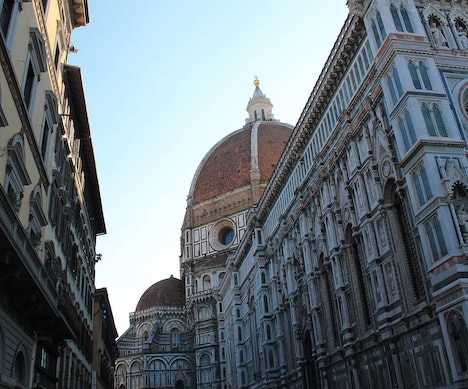 You Could Be Fined €500 if Caught Snacking on the Street in Florence   Italy