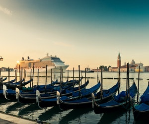 Large Cruise Ships Return to Venice Despite a Recently Approved Ban