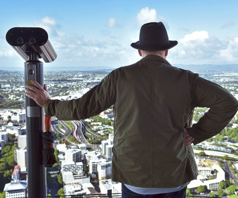 Here's Why Alton Brown Is Ready to Move to New Zealand   New Zealand