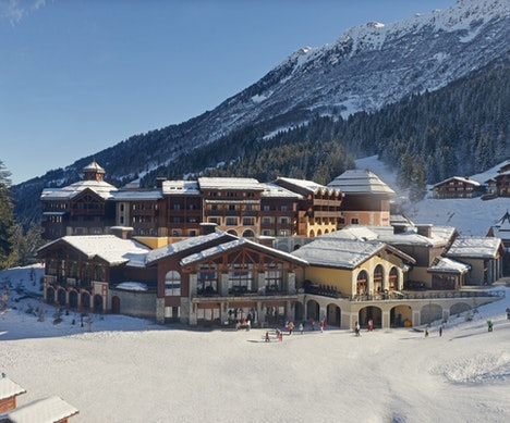 Seven Reasons to Ski the Alps with Club Med   France
