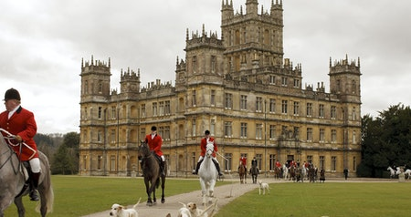 "Palaces, Castles, and Cottages: ""Downton Abbey"" Filming Locations You Can Visit in England"