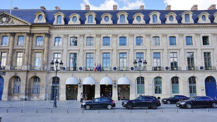 You can buy a piece of hotel history at the ritz paris for Pacific hotel parigi