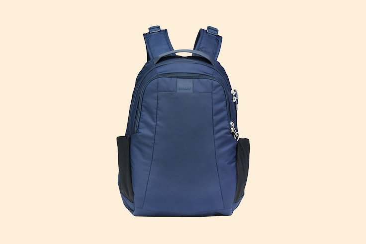 The Pacsafe Metrosafe LS350 Anti-Theft 15L Backpack keeps your laptop protected from damage and from thieves.