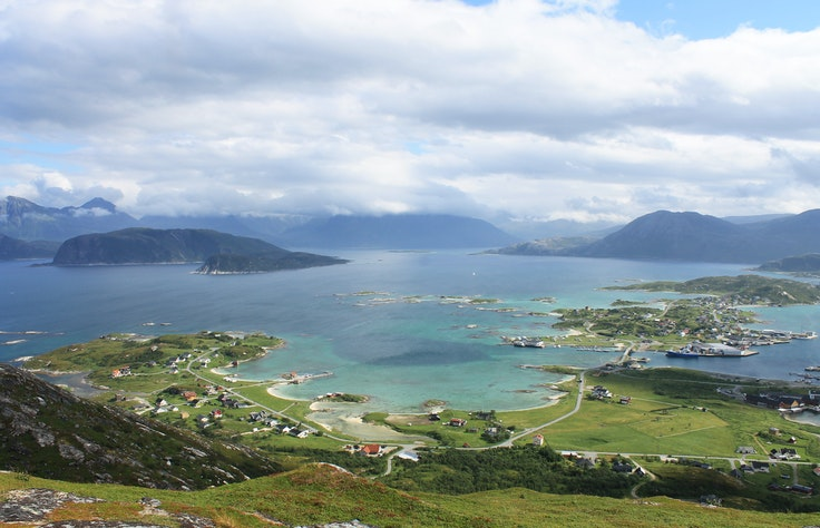 Sommarøy, a fishing village nearTromsøin northern Norway, wants to eliminate the concept of time.