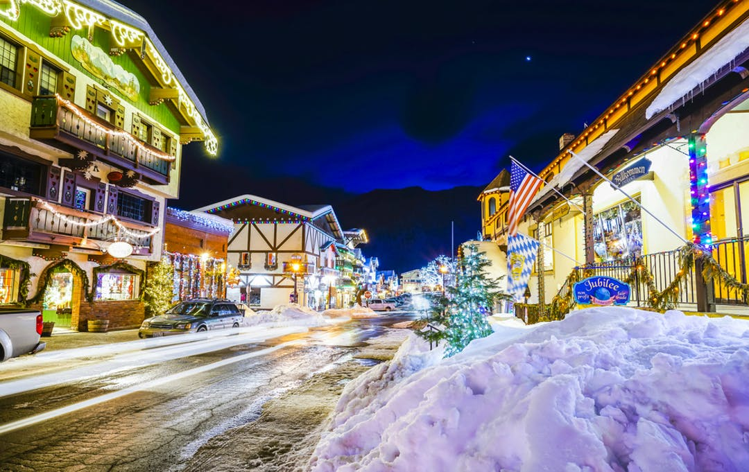 The Best Small Towns In The U S For Weekend Getaways During Winter,Blue And White Porcelain Pumpkins