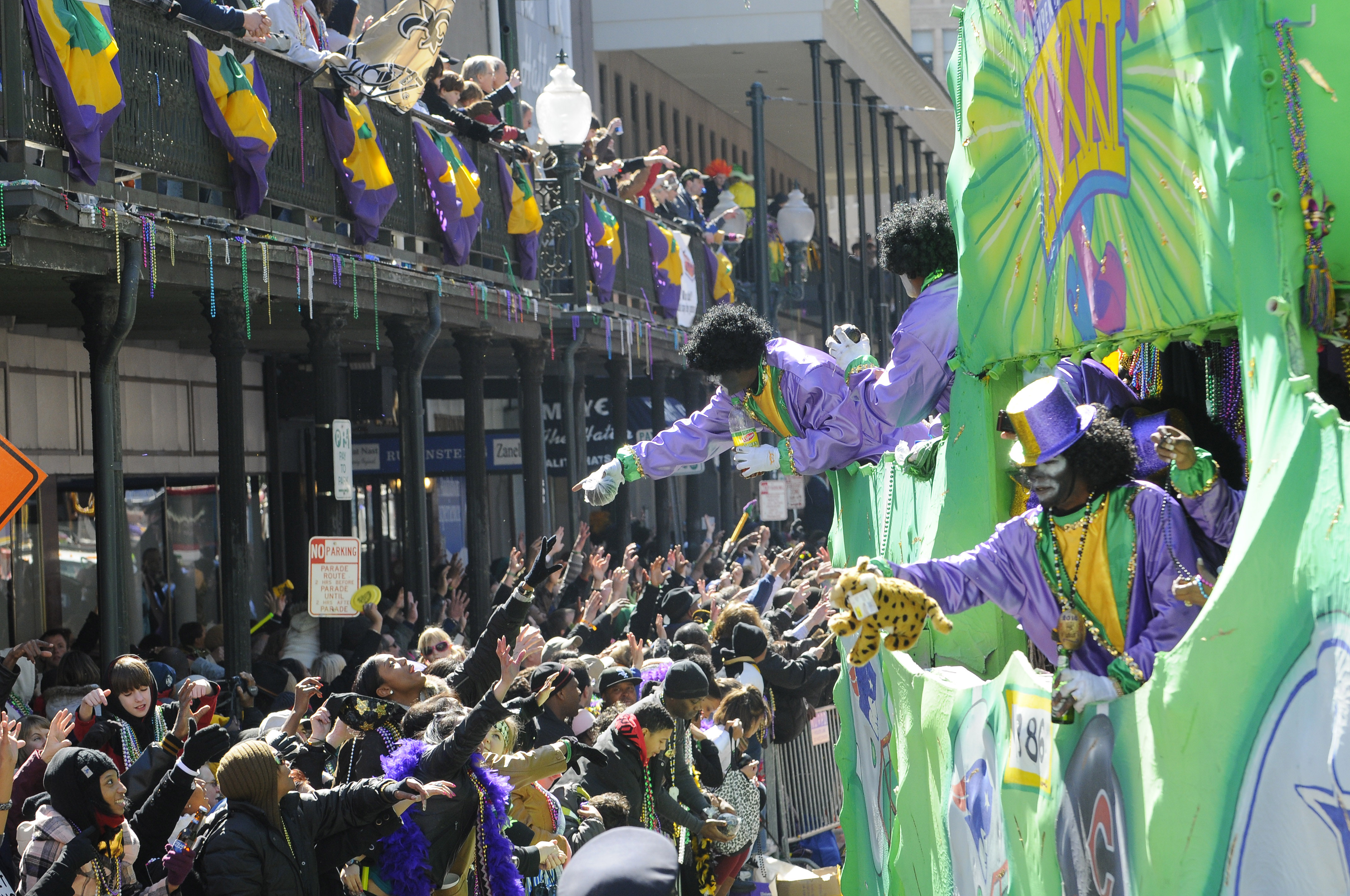 The Must Have Mardi Gras Throws From Mardi Gras Parades In New Orleans