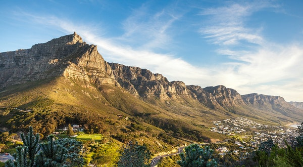 United Launches Nonstop Flight From New York Area to Cape Town