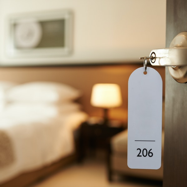 Get the Best Rates on Your Hotel Room With These Simple Tips