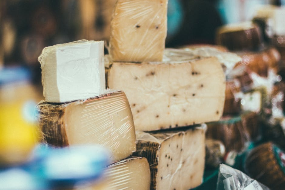 Watch - 5 wine perfect and cheese pairings video
