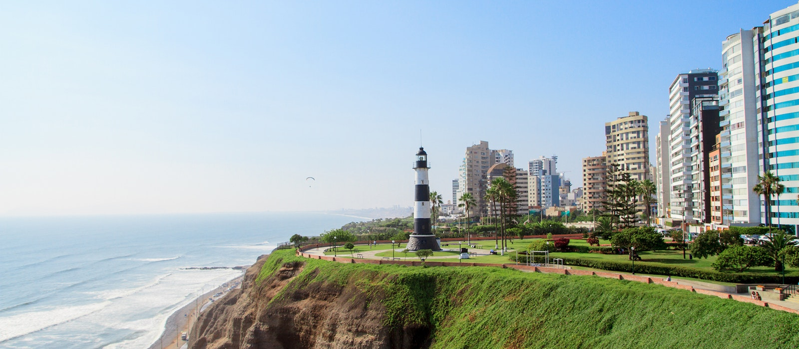 Find innovative new restaurants and great views in Lima's Miraflores neighborhood.