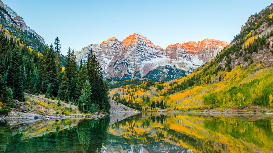 If Aspen is calling you this holiday season, you still have time to find attractive airfares.