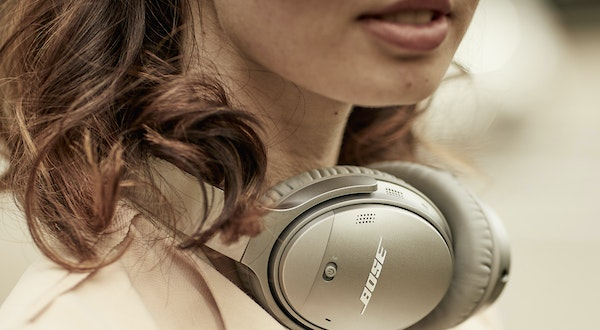Our Favorite Noise Canceling Headphones for Travel Are up to 25 Percent off Right Now