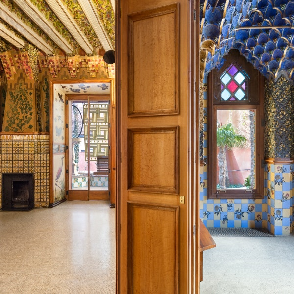 5 Essential Stops on a Wonderful, Weird Tour of Gaudí's Barcelona