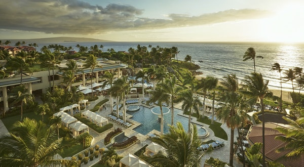 Four Seasons Hawaii Now Offers Private Flights to Its Island Resorts