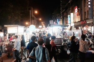 Everything You Can Eat in Taipei's Night Markets During a 10-Hour Layover