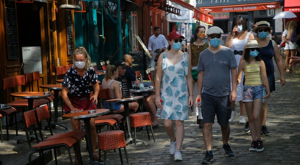 Face Masks Are Now Required Outdoors in Paris