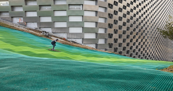 Bjarke Ingels Group's CopenHill Power Plant Topped With a Ski Slope Is Now Open in Copenhagen