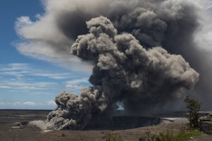 "New Kīlauea Eruption Prompts ""Code Red"" for Hawaii: What Travelers Need to Know"