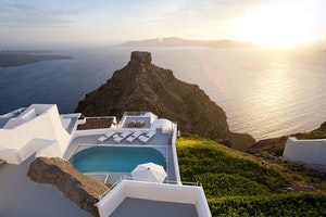 5 Hotels in Greece for a Romantic Mediterranean Escape