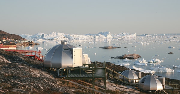 Luxury Hotels and Accomodations Near Glaciers