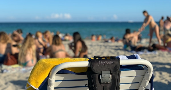 Best Anti-Theft Locking Beach Bags and Lock Boxes for Valuables