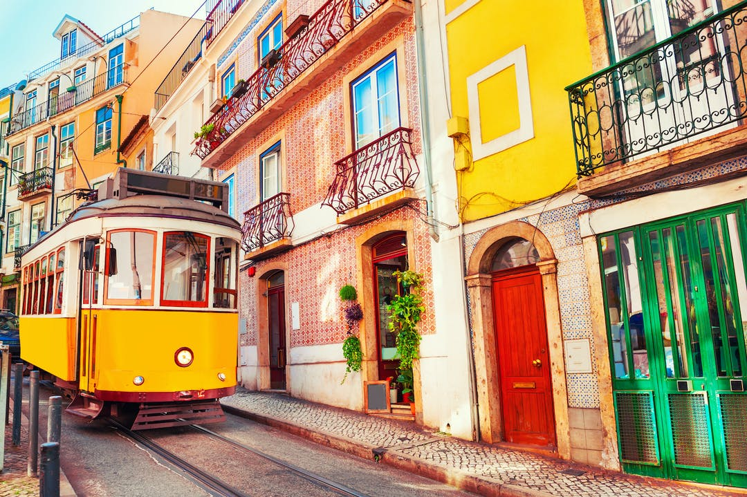 Portugal Reopens to U.S. Leisure Travelers - BiographyFlash.com
