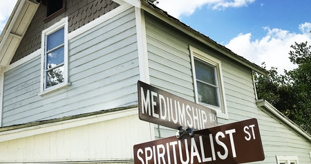 Want to Communicate With the Dead? Head to This Small Town in Florida