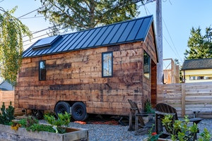9 Great Seattle Airbnbs That You'll Want to Book Right Now