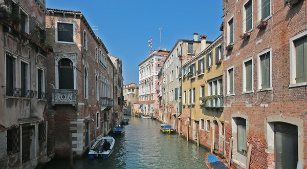 The Real Story Behind Venice's Newly Crystal-Clear Canals