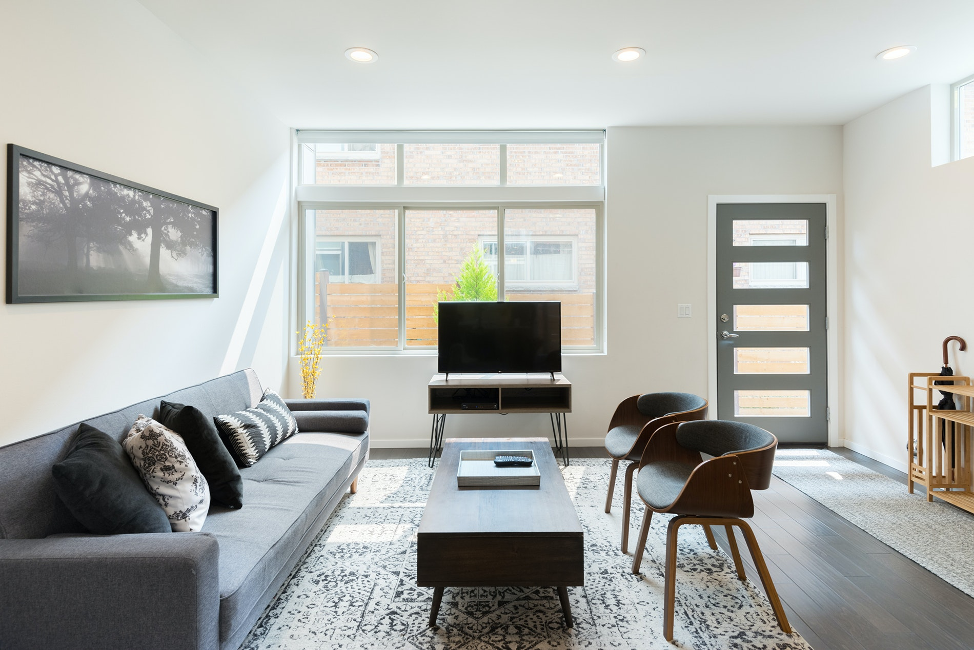 Grab the gang and make way for this ultra-modern, four-story townhouse—it accommodates eight guests in the Capitol Hill nabe.