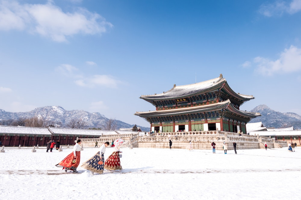 Sightsee with your sweetie. Gyeongbokgung Palace looks just as majestic in winter.