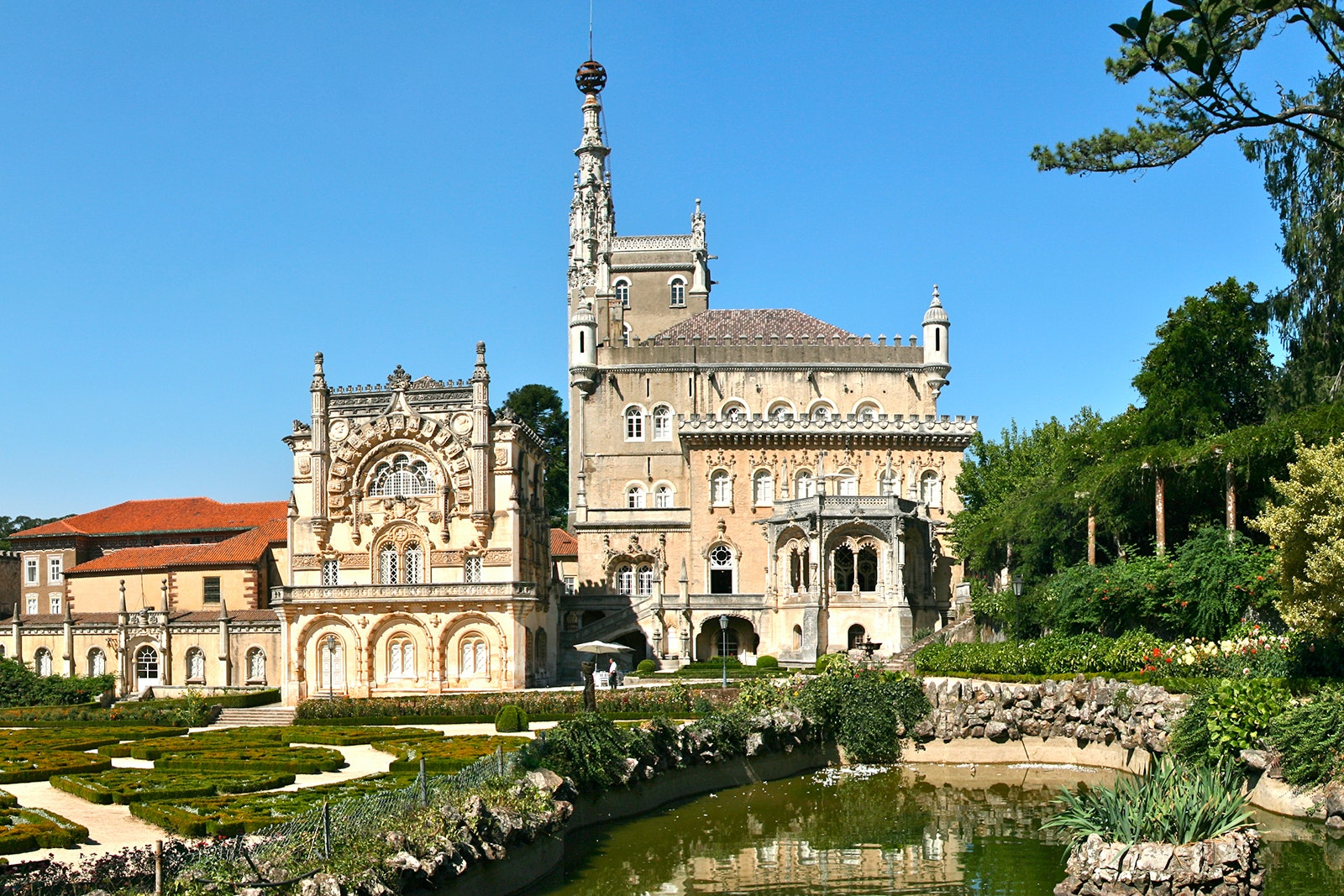 The Palace Hotel do Bussaco's ornate architectural style is known as Manueline, or Portuguese late Gothic.