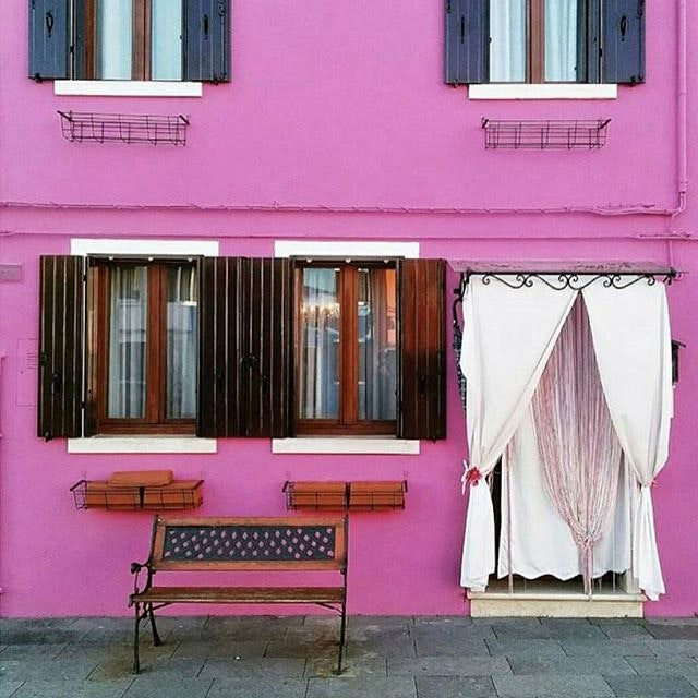Italian house goals when pink is your favorite color.